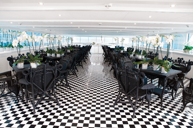 S.S. Antoinette - L'Orangerie Lounge