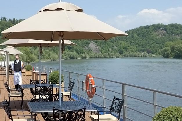 River Beatrice: Upper deck