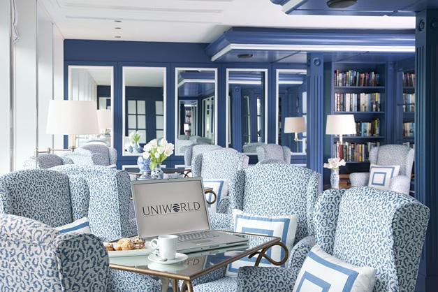 Cruzeiro Fluvial: River Queen - Lounge com Biblioteca
