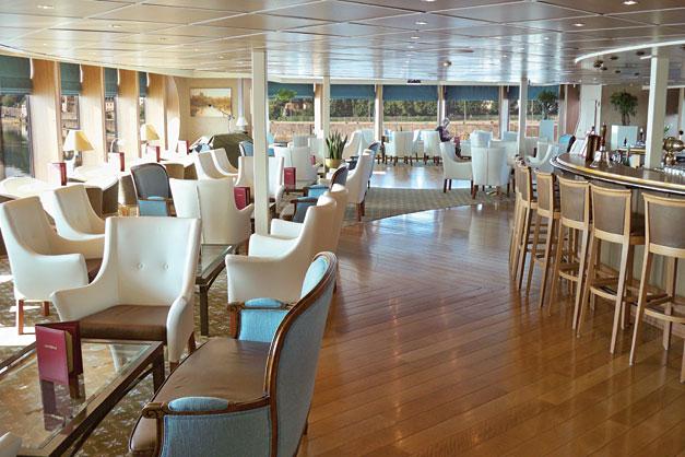 Cruzeiro Fluvial: River Empress - Lounge