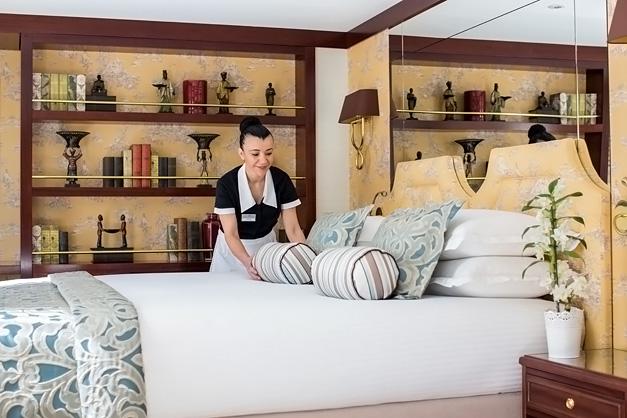 Queen Isabel: Serviço de quarto